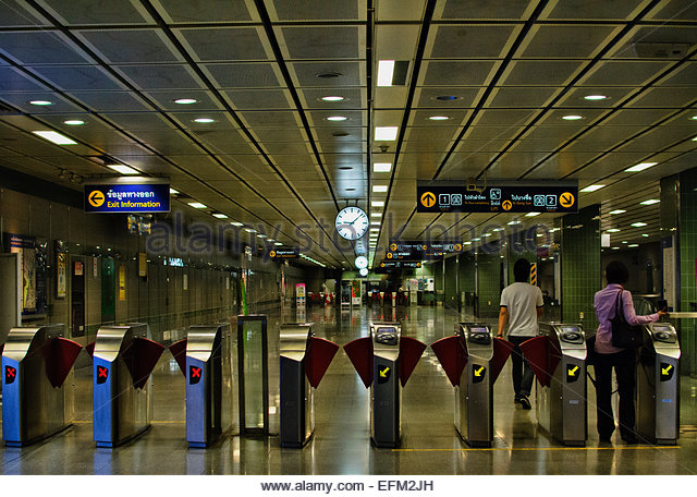 inside-the-bts-train-station-in-bangkok-thailand-efm2jh